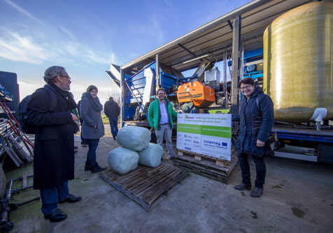 Grasgoed: demonstratie Grassa mobiele raffinagemachine